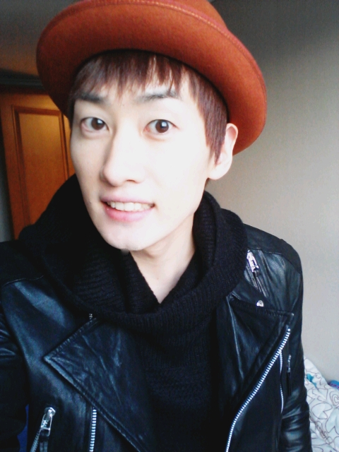 http://asiakpopnews1.files.wordpress.com/2012/02/eunhyuk.jpg