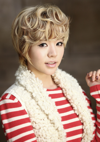 http://asiakpopnews1.files.wordpress.com/2012/02/sunny.jpg